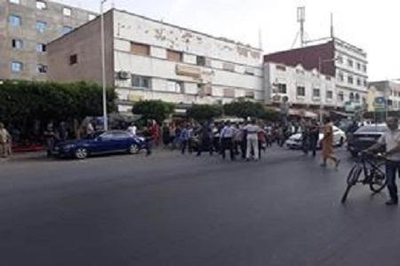"""بالصور.. قوات الأمن تمنع تنفيذ وقفة احتجاجية لنشطاء """"حراك الريف"""" وسط العروي"""