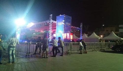 الحسيميون يقاطعون سهرات المهرجان الصيفي ويدعون إلى احترام مشاعر حزنهم وإطلاق سراح المعتقلين