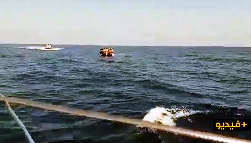 """مثير.. زوارق النادي البحري لـ""""مليلية"""" تقف في عرض المتوسط لإنقاذ مهاجريين سريين تاهوا في البحر"""