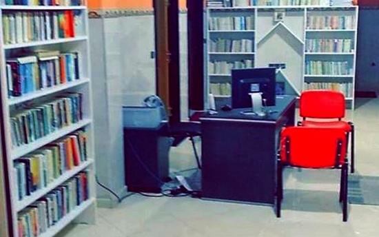 سابقة.. المستشار الجماعي مصطفى بنعودة يفتح مكتبة عمومية مجانية في وجه طلبة وأبناء مدينة الدروش