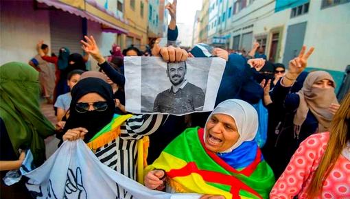 """حوالي 160 معتقلا على ذمة """"حراك الريف"""" يعانقون الحرية و """"الزغاريد"""" تعلو الحسيمة وضواحيها فرحا"""