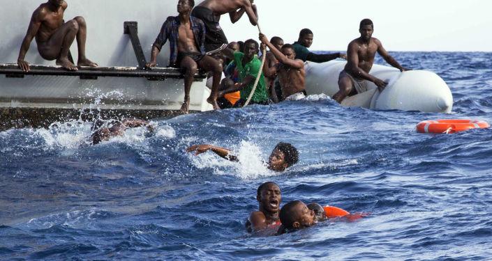 ترحيل 100 سينغالي كانوا يستعدون للهجرة إلى اسبانيا من سواحل الشمال