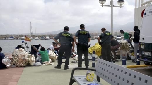 وصول زورق إنطلق من سواحل الناظور إلى مليلية على متنه 31 مهاجرا بينهم نساء وأطفال