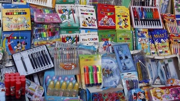 منتدى حماية المستهلك يحذر من أدوات مدرسية مسرطنة تباع في الأسواق والمكتبات