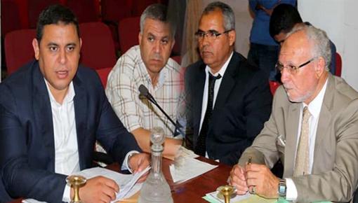 المجلس الإقليمي للناظور يعقد دورة شتنبر العادية ويصادق بالإجماع على نقاط جدول أعمالها