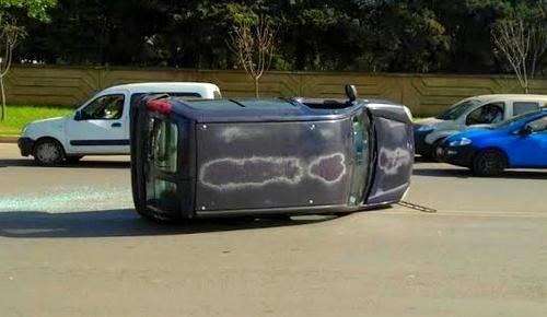 إطلاق سراح نجل برلماني تسبب في حادثة سير مع سيارات مجلس طنجة الحسيمة دون رخصة سياقة