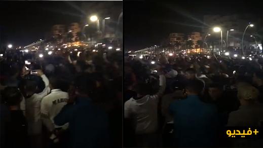 مثير.. شباب من شمال المغرب في وقفة احتجاجية للمطالبة بالسماح لهم بالهجرة السرية مجانا