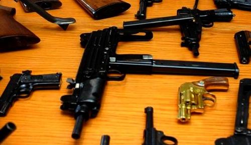 مثير.. إسبانيا تفكك مافيا للمخدرات حاولت تهريب أسلحة متطورة إلى المغرب