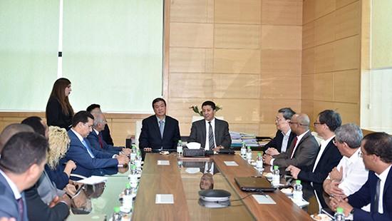 مجلس جهة الشرق يستقطب شركة صينية للاستثمار بالجهة وتشغيل 12 ألف من اليد العاملة