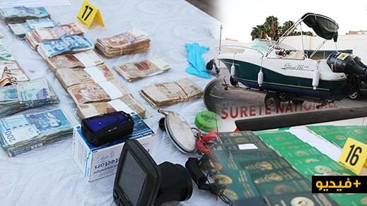 شاهدوا 5 زوارق و104 جواز سفر أجنبية وأجهزة إتصال و3 سيارات وصدريات وأموال محجوزة بالناظور