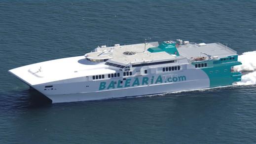 عطب فني يعيد باخرة باليريا الى ميناء الجزيرة الخضراء من عرض البحر