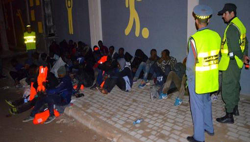 العروي.. الدرك الملكي يعتقل 30 مهاجر داخل حافلات للمسافرين سبق وأن تم ترحيلهم من الناظور