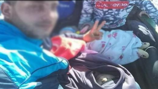 عائلة من أب وأم وطفلين من تمسمان تصل الى إسبانيا عبر قارب مطاطي وتطلب اللجوء