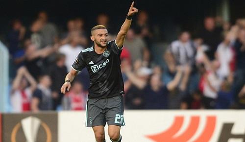 الدولي الريفي زياش يفوز بجائزة أفضل لاعب في الدوري الممتاز بهولندا