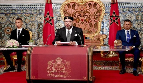 الملك محمد السادس يمد يده إلى الجزائر عبر حوار مباشر لتجاوز الخلافات