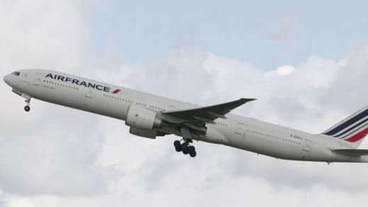 طائرة فرنسية على متنها 282 راكبا تهبط إضطراريا بسبب ظهور دخان في قمرة القيادة