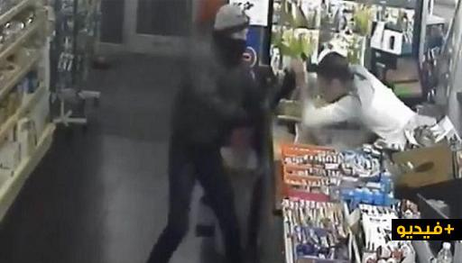 بالفيديو.. مهاجر يفشل محاولة سرقة محله التجاري بذكاء ويثير إعجاب المواطنين ببلجيكا