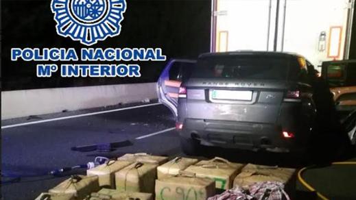 حادثة سير باسبانيا تكشف وجود 450 كيلوغراما من الحشيش داخل سيارة فخمة