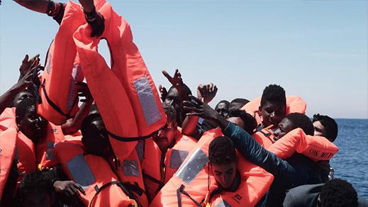 مصرع ثلاثة مهاجرين وإنقاذ أكثر من 560 آخرين قبالة سواحل اسبانيا