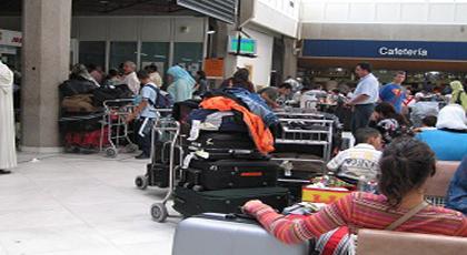 عطب تقني وسوء أحوال الطقس يمنعان طائراتان من النزول بمطار مليلية