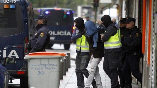 اسبانيا تعلن توقيف مهاجر مغربي ينتمي إلى منظمة إرهابية
