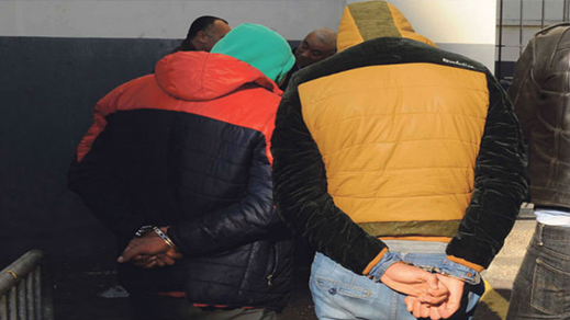 توقيف 16 شخصا من اعضاء شبكة لتنظيم الهجرة السرية