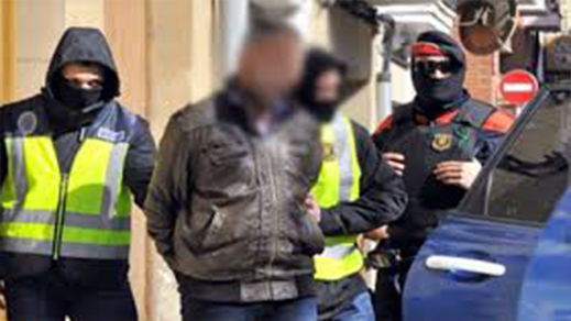 إسبانيا.. الأمن يفكك شبكة مغربية متخصصة في تهريب البشر