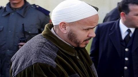 """عائلة أشهر مغربي مدان بـ""""تفجيرات مدريد"""" تطالب الحكومة بالتدخل بعد إضرابه عن الطعام"""