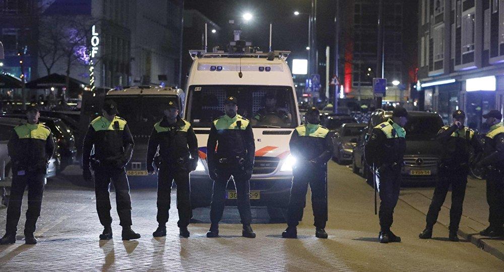 شرطة روتردام تلقي القبض على أربعة مخططين لعمل إرهابي