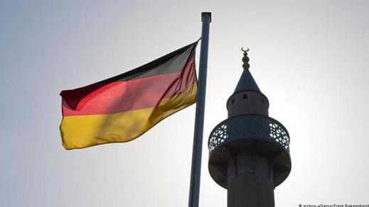 مطلب ضريبة المساجد على غرار ضريبة الكنائس في ألمانيا وإنشاء مؤسسة للمساجد بإشراف الدولة الألمانية