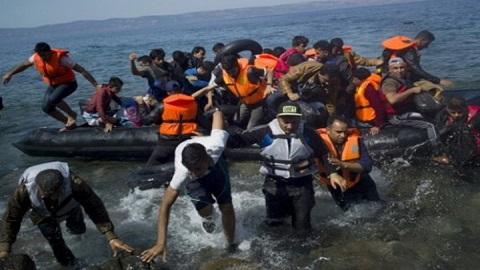 إسبانيا تضغط على الاتحاد الأوربي لمساعدة المغرب على احتواء تدفق المهاجرين السريين