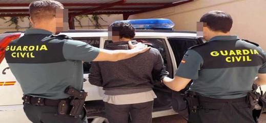 ايقاف مغربي حاول إدخال 51 كيلوغرام من الحشيش إلى سبتة