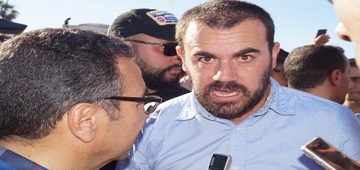 مثير.. الزفزافي من داخل زنزانته: أعلن مقاطعة محاكمة معتقلي الريف وأمامكم الآن قرار إعدامي