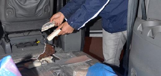 إيقاف مواطن إسباني بحوزته كمية كبيرة من المخدرات بمعبر فرخانة