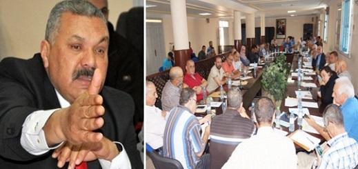 المستشارون المحسوبون على المعارضة داخل بلدية أزغنغان يطالبون الرئيس بمناقشة هذه المشاكل