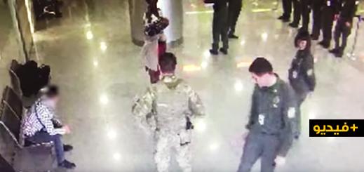 شاهدوا.. مغربي يعتدي على حرس الحدود بأكرانيا بعد منعه من مغادرة المطار