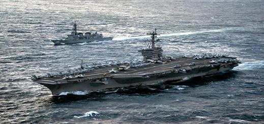 البحرية الملكية تجري مناورات بحرية عسكرية بسواحل الحسيمة