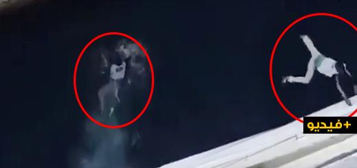 """شاهدوا.. فيديو يوثق لمحاولة """"حريك"""" فاشلة على متن باخرة لنقل المسافرين بميناء الحسيمة"""