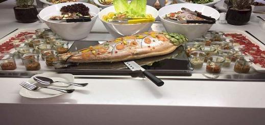 مهنيون في الحسيمة يناقشون السلامة الصحية للمواد الغذائية داخل الفنادق والمطاعم