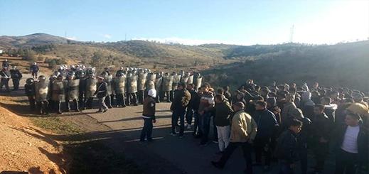 """الحسيمة.. احتجاجات بقرية """"تماسينت"""" للمطالبة بالتنمية وإطلاق سراح المعتقلين"""