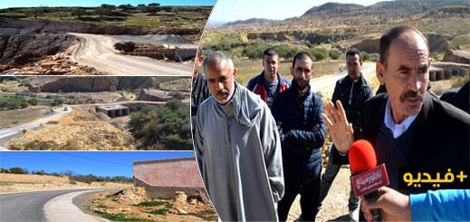 الدريوش.. ساكنة 5 دواوير بجماعة آيت مايت يشتكون من عدم استكمال مشروع طرقي ويستنجدون بعامل الإقليم