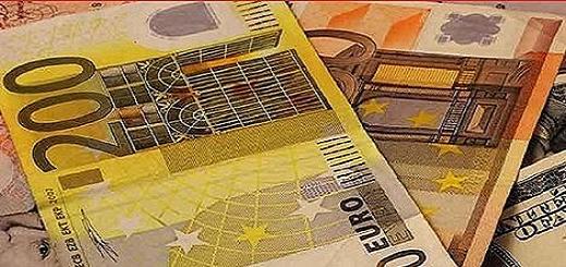 توقيف  مواطني أجنبي تورط في جمع وتهريب مبالغ مالية مهمة من العملة الصعبة خارج المغرب