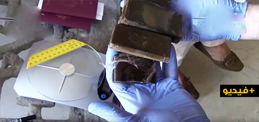 بالفيديو.. توقيف 14 شخصا ومصادر نحو 3.5 طن من الحشيش خلال تفكيك شبكة لترويج المخدرات