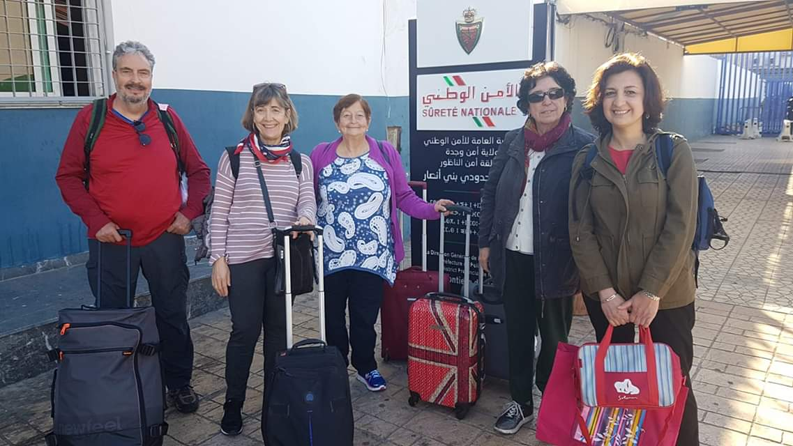 سلطات الناظور ترحل نشطاء إسبان كانوا في طريقهم لمنزل الزفزافي بالحسيمة