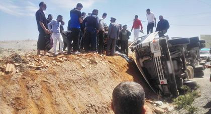 اصابة سائق شاحنة بجروح خطيرة اثر حادثة سير بالقرب من زايو