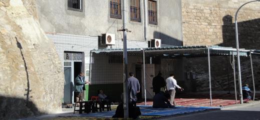 """السلطات الاسبانية تسير نحو إغلاق مسجد """"المانتيليتي"""" بمليلية المحتلة"""