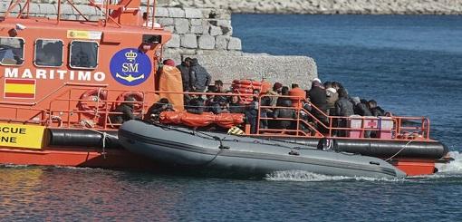 """البحرية الإسبانية تشكو قلّة العناصر البشرية لوقف """"الحريك"""" من شمال المغرب"""