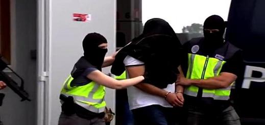 تفكيك شبكة سرقت عائدات الضرائب لتجنيد مغاربة ضمن صفوف داعش