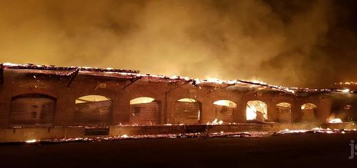 بالفيديو.. إندلاع حريق مهول في محطة للقطارات بمدينة ميلوز شمال شرق فرنسا