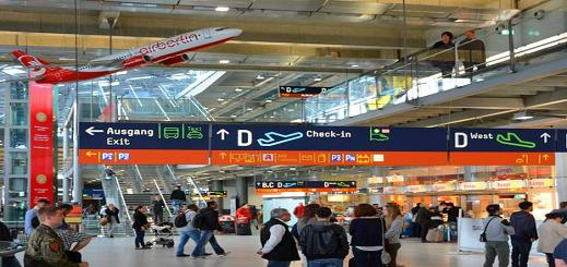 شركة الطيران العربية تتخلى عن مسافرين بمطار كولن كانوا قد حجزوا تذاكر للسفر الى مطار العروي